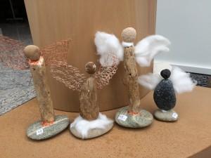 Engel aus Kieselsteinen (Handmade)